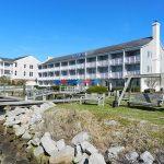 Beaufort Inn & Suites Exterior Channel View